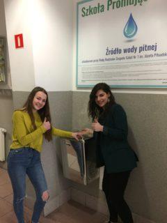 Źródło wody pitnej dostępne w szkole